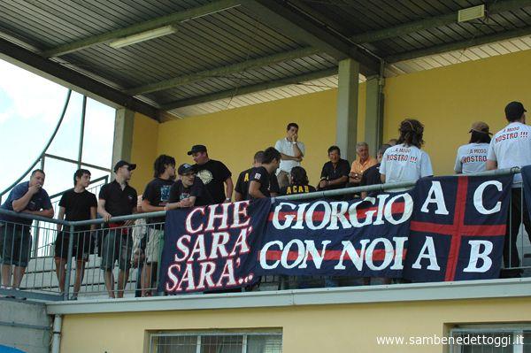 Ultras rossoblu a Pieve Santo Stefano per l'amichevole tra Samb e Sansovino
